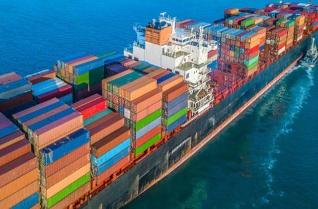 В России поставлена задача превысить экспорт продуктов над импортом